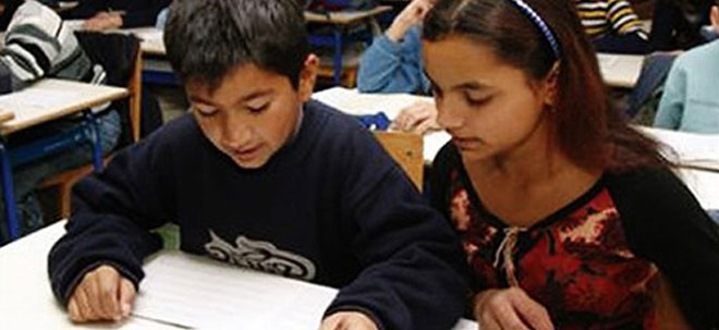 19.6.2014, bljesak.info – Scholarships for Roma pupils and students in school 2014/2015
