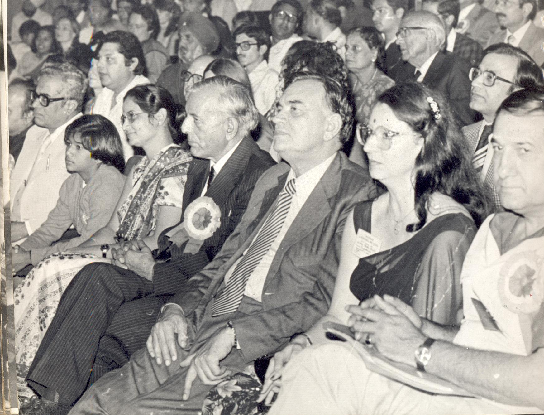 18. W.R.Rishi with other Roma Leaders enjoying the festival